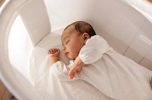 Chế độ dinh dưỡng của trẻ sơ sinh